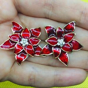 Vintage Clips Poinsettia Christmas flower